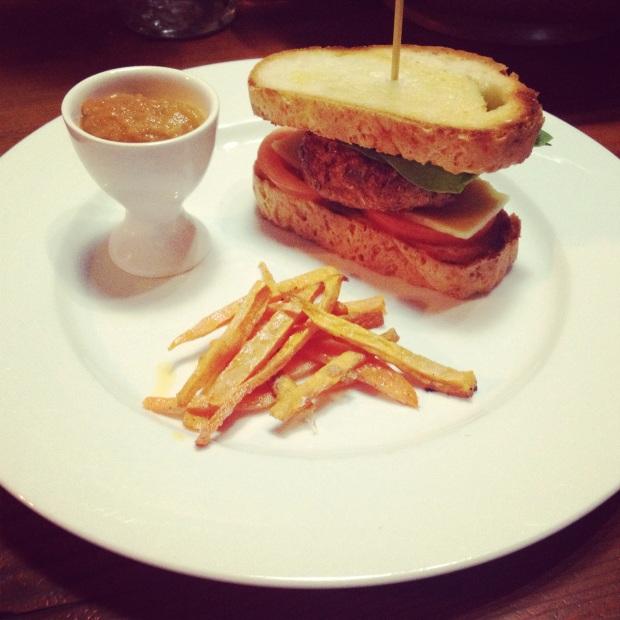 turkey burgers with sweet potato fries