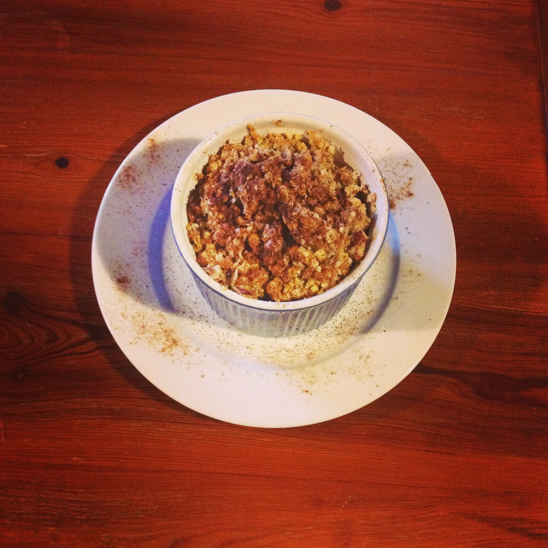Quinoa Apple-Blueberry Breakfast Crumble